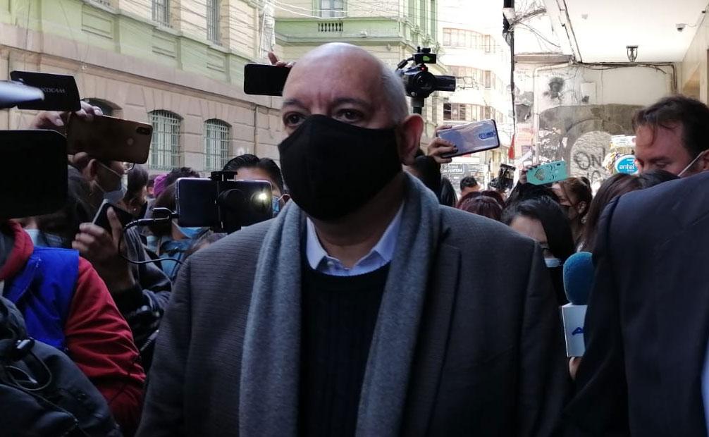 Declaración de José Antonio Quiroga coincide que Evo decidió de renunciar antes de la 'sugerencia' de las FFAA