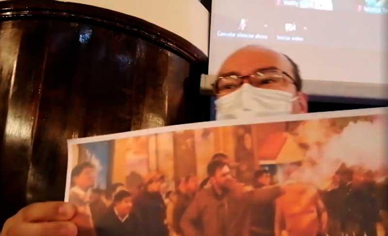 Del Castillo tilda a opositores de 'cómplices' de Añez y le responden que es 'aprendiz de Murillo'