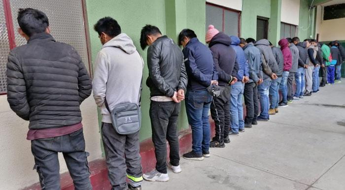 Arrestan a 30 personas en operativo contra la delincuencia en El Alto