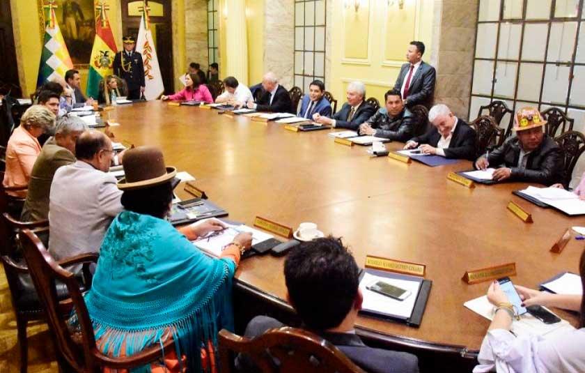 Bolivia cerrará sus embajadas en Irán y en Nicaragua