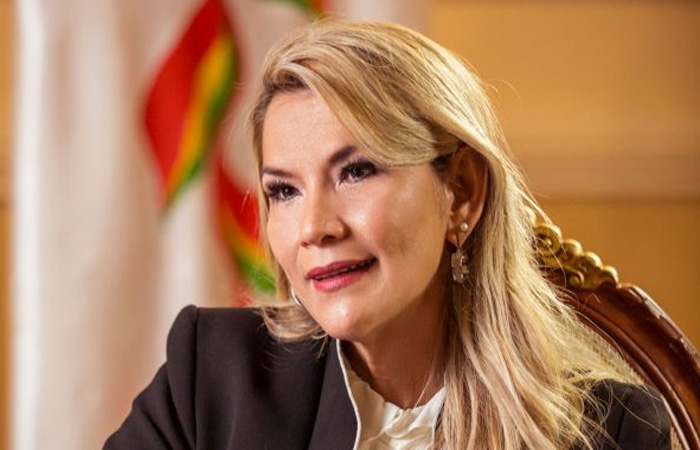 Jeanine Añez presenta denuncia contra el ministro Iván Lima por difamación y calumnia