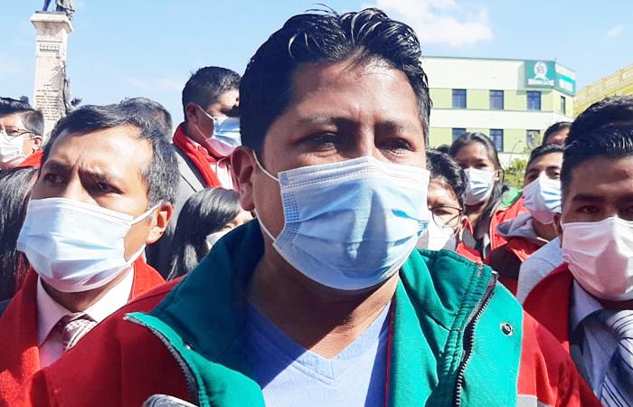 Jallalla pedirá a Copa, Quispe y otros elegidos se rebajen su sueldo al salario mínimo
