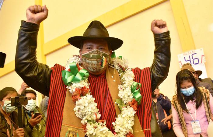 Jallalla convoca sus bases para hacer conocer acciones contra Santos Quispe