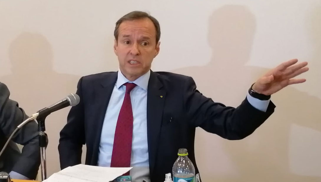 Tuto Quiroga ve silencio 'cobarde y cómplice' de la Unión Europea por caso fraude