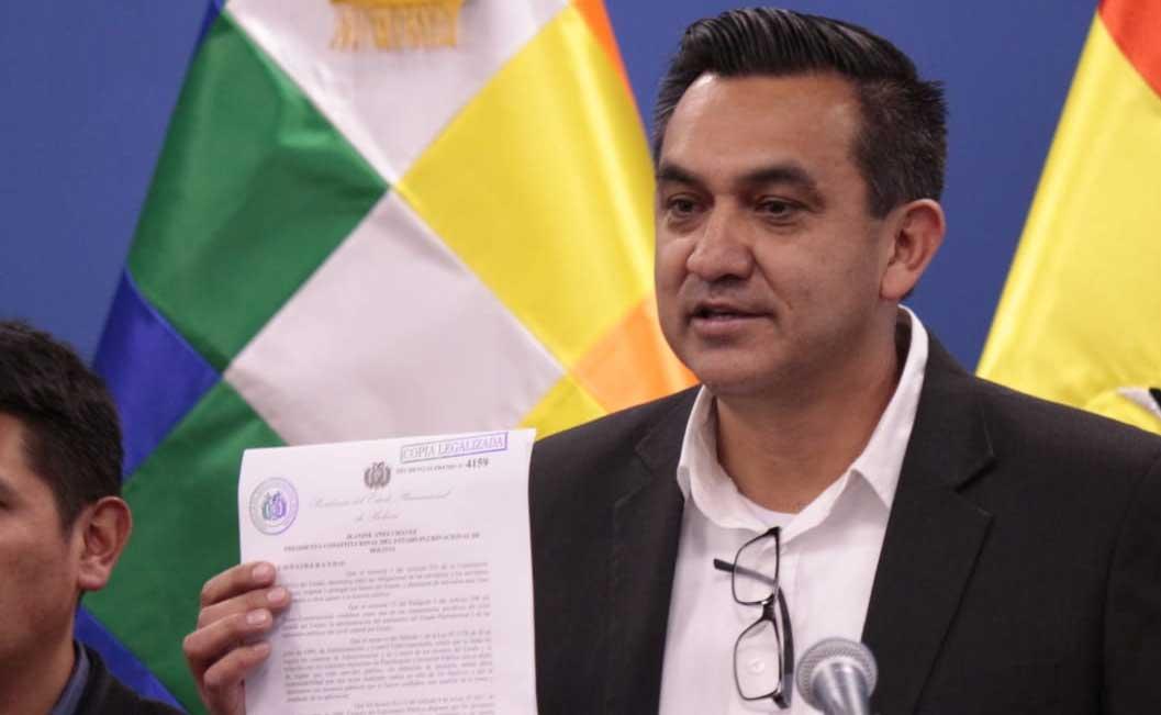 Aprueban decreto que prohíbe uso de recursos públicos en campaña